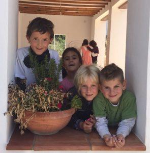 Happy Children in Primaria